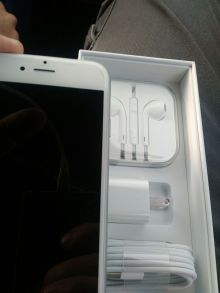 Predám Apple IPhone 6S 64GB white