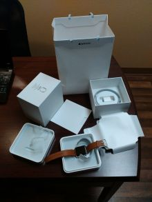 Predám Apple IWatch model Watch 42MM SS SD brown leather