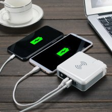 Qi Wireless Charging 6700mAh Power Bank